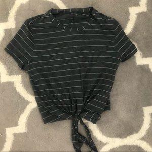 🍋 Lululemon knotted Tie front crop shirt Sz. 4
